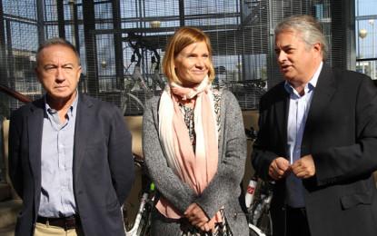 FGC, l'Ajuntament i l'AMB fomenten la intermodalitat tren-bicicleta